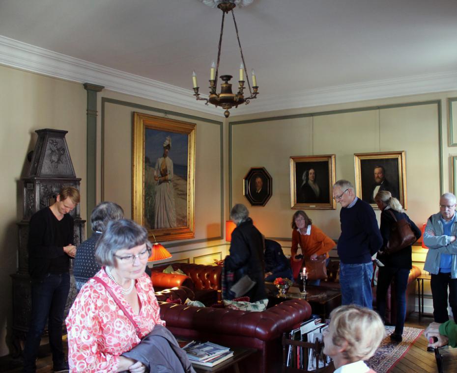 Rundvisning på herregården Broholm på Fyn